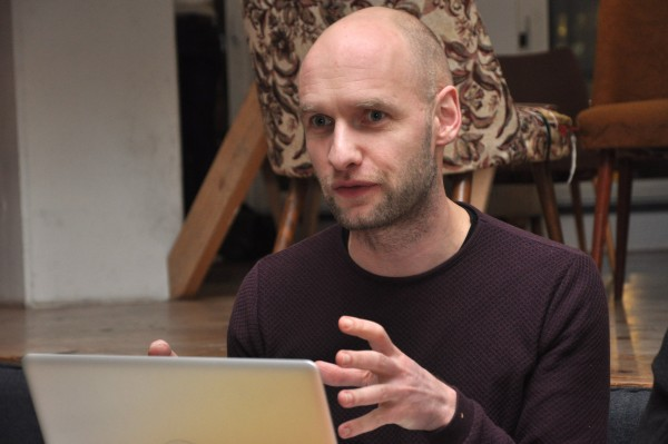 Sebastian presenting examples of customer segments